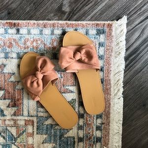 Forever 21 | Pink Bow Sandals - Size 8
